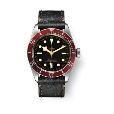 Montre Black Bay rouge cadran noir